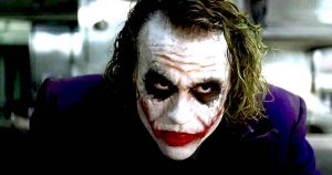 Joker interpretato da Heath Ledger